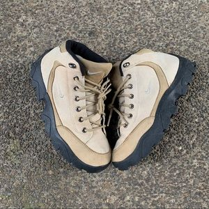 Nike ACG boots men's size 9 brown leather sample